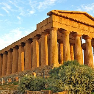 1200px-Temple_of_Concordia_(Agrigento)_-_Valle_dei_Templi,_Agrigento,_Sicily,_Italy_-_17_Oct._2010